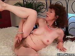 Fashionable mature boinked in her wet hairy poon
